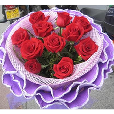 11朵特大红玫瑰,配草