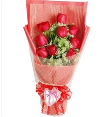 红玫瑰9枝,蕾丝点缀,栀子叶间插