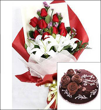 鲜花:A级昆明红玫瑰9枝,多头香水百合2枝,栀子叶少许,勿忘我适量,芒叶适量。蛋糕8寸:巧克力,鲜奶油,蛋糕底。顶部四朵玫瑰装饰,做成圆形。