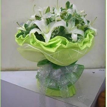 6支多头香水白百合,以及高档配花或当季花材