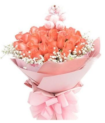 33枝昆明粉玫瑰,满天星围绕一圈,随机1只小熊