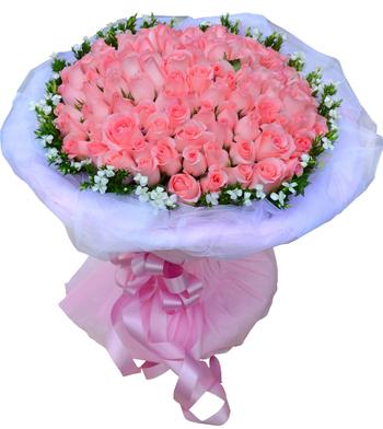 99枝粉玫瑰,相思梅(季节性花草,没有用满天星代替)围边