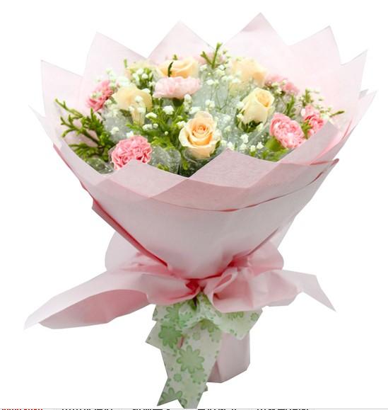 6枝香槟玫瑰,9枝粉色康乃馨,满天星、黄英丰满。