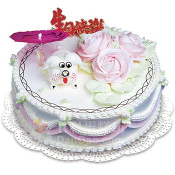 8寸鲜奶蛋糕,雕刻着小狗的生肖图案,搭配着3朵玫瑰花