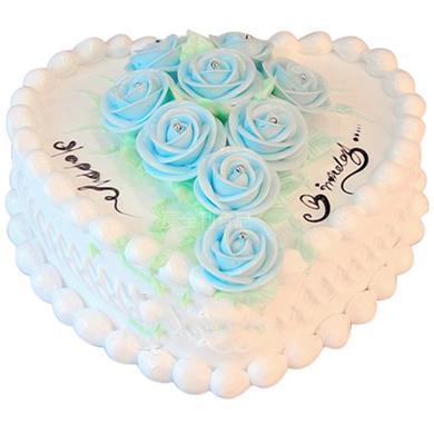 8寸鲜奶蛋糕,奶油蓝玫瑰点缀蛋糕中间