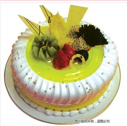 8寸圆形鲜奶水果蛋糕,绿色果浆,时令水果,巧克力片装饰