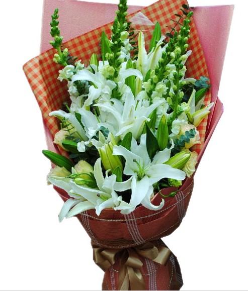 5枝多头白百合,6枝龙口花,配绿叶