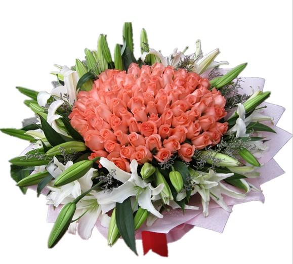 66枝粉玫瑰+9枝多头白百合配情人草