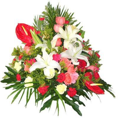 白香水百合+红掌+粉玫瑰+红康乃馨+黄康乃馨+粉康乃馨+排叶