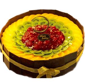 黄桃,猕猴桃铺面,巧克力片围边。