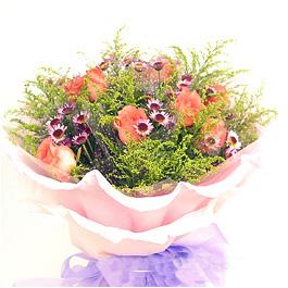 粉玫瑰9枝,小菊花1扎,黄莺丰满;