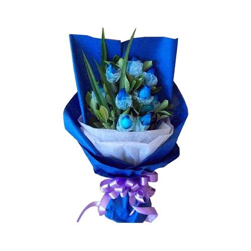 9枝蓝玫瑰,绿叶