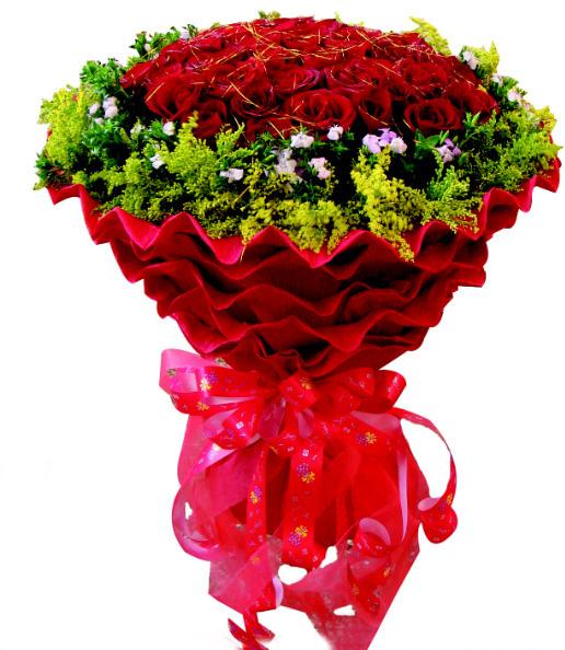 50枝红玫瑰,外围米兰 石竹梅点缀。