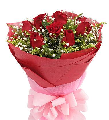 红玫瑰9枝、黄莺+满天星搭配